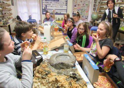 Mittag Nach Dem Workshop (Pizza Und Steine Zum Verwechseln)
