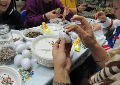 Ostereier Gestalten Mit Steinen